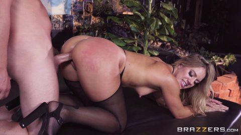 Big Butts Like It Big - Candice DareGiving Her A Big Tip