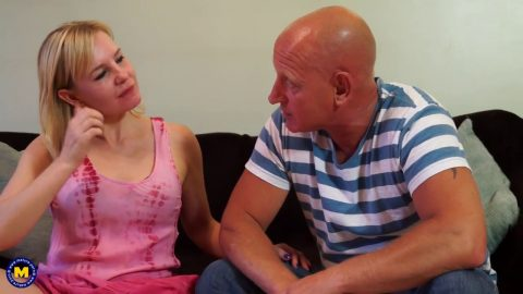 Mature NL -  kate aveiro